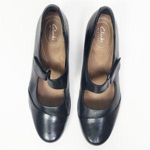 Clarks Artisan leather black Roselyn Wren pump